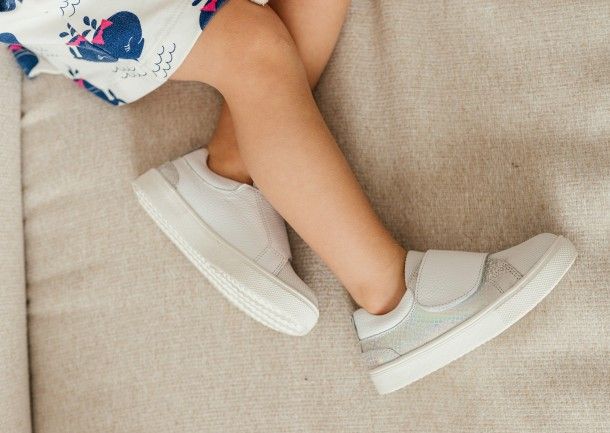 Девочка обута в детские кеды Woopy Fashion белые (8069) Фото 1