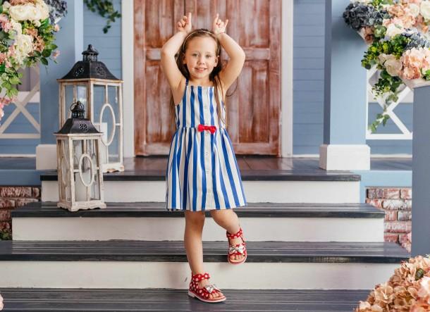 Девочка обута в детские босоножки Woopy Orthopedic красные (8137) Фото 2